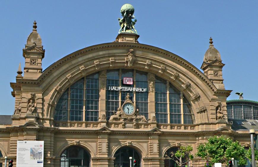 Bahnhoftransfer mit Your Transfer zum Hauptbahnhof Frankfurt